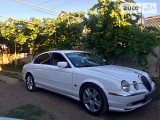 Jaguar S-Type s                                            1999